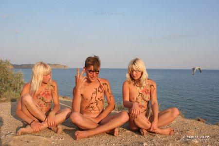 Сборник от Админа 6 (фото нудисты и натуристы на пляже и не только)
