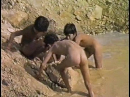 Mud boys (nude boys)