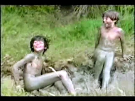 Sunday in the country (nude boys)