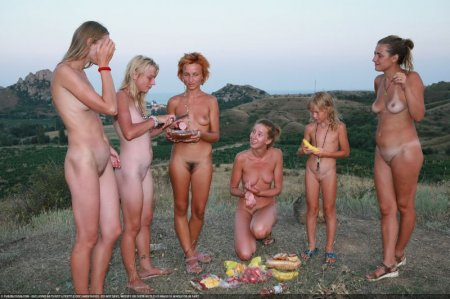 After Dark (family nudism, young naturism, naked girls)