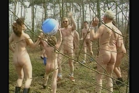 Wintеr in Hоllаnd Titel 1 (family nudism, family naturism, young naturism, naked boys, naked girls)