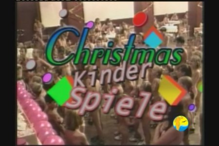 Christmas Kinder Spiele (family nudism, family naturism, young naturism, naked boys, naked girls)