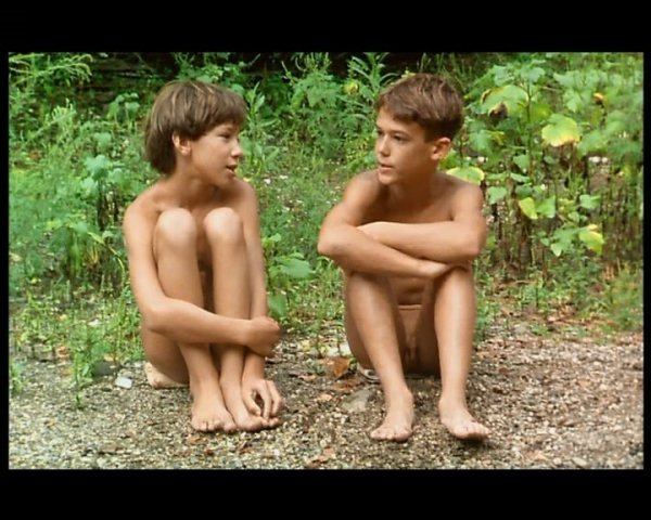 French Naturist Boys (family nudism, family naturism, young naturism, naked girls, naked boys)