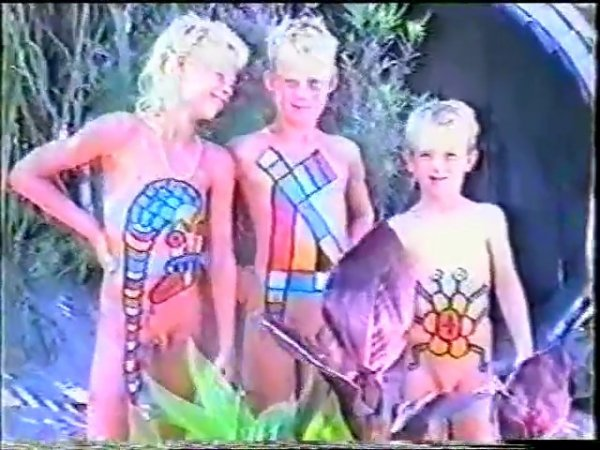 Three Norge on cors bodyart (family nudism, family naturism, young naturism)