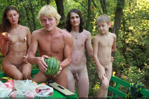 Outdoor Picnic 7 (family nudism, family naturism, young naturism, naked boys, naked girls)