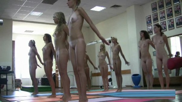 Tееn Nudist Wоrkоut 1-2 (young naturism, naked girls)