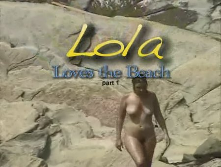 Lola loves the beach (vol.1)
