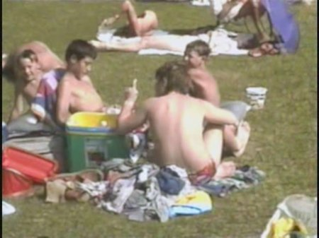 Kosovo 03, asylum seekers (family nudism, young naturism,  naked boys, naked girls)