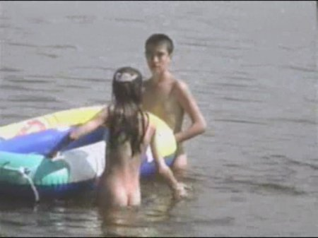 Kosovo 04, asylum seekers (family nudism, young naturism, naked boys, naked girls)