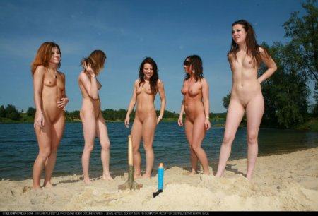 Sunny Day Sandy Girls 2 (naked beach, naked girls)