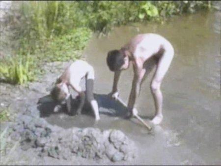 Kosovo 12, asylum seekers (family nudism, young naturism, naked boys, naked girls)