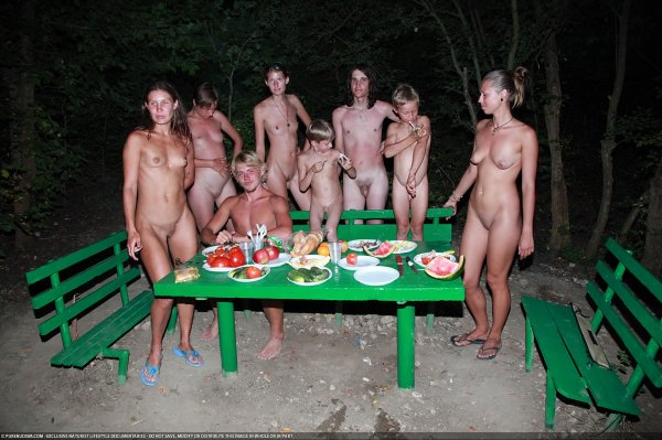 Outdoor Picnic 4 (family nudism, family naturism, young naturism, naked boys, naked girls)