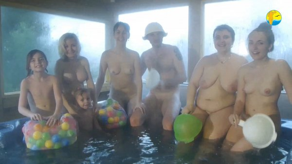 Young Cheerful Time Naturists (family nudism, family naturism, young naturism, naked girls, naked boys)