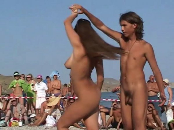 Dancing Competition in Koktebel (family nudism, family naturism, young naturism, naked girls, naked boys)