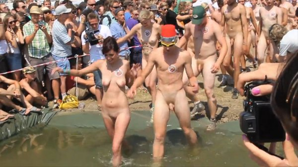 Roskilde Festival Naked Run Public Nudity (family nudism, family naturism, naked boys, naked girls)