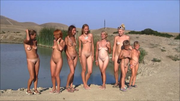Family Ocean Day - Behind The Scenes HD (family nudism, family naturism, young naturism, naked girls, naked boys)