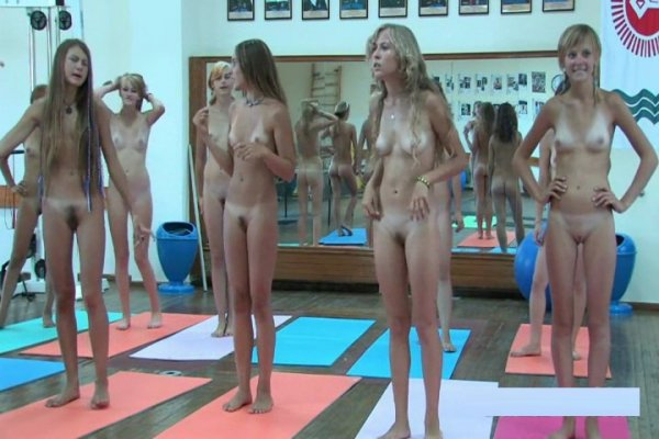 Tееn Nudist Wоrkоut 1 full version (family nudism, family naturism, young naturism, naked girls)
