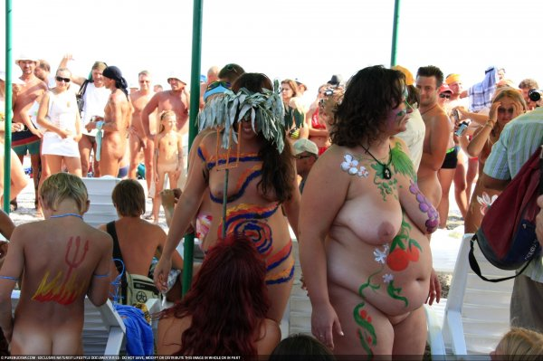Nudism body painting (Koktebel, family nudism, family naturism, young naturism, naked boys, naked girls)
